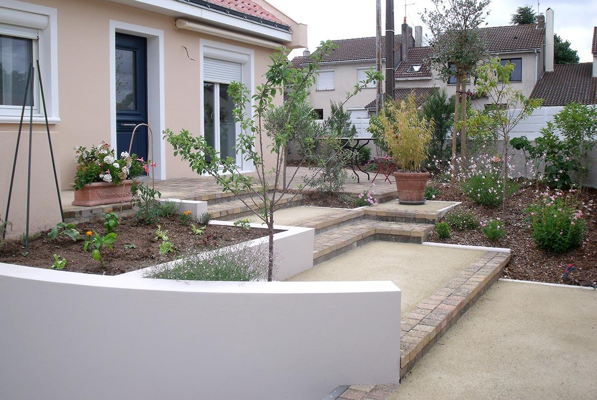 Aménagement Entrée Maison Extérieur aménagement terrain enrobés clôture à gétigné