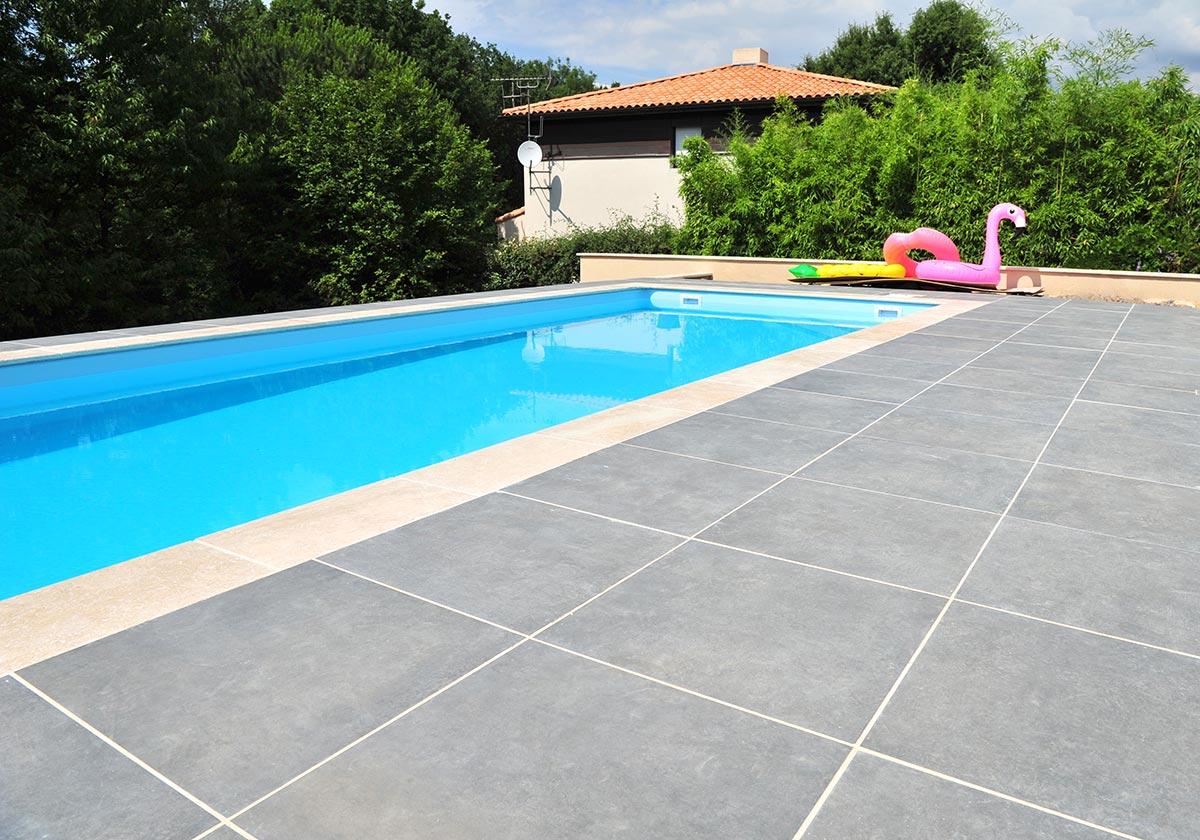 Terrasse et plage de piscine - Bretaudeau Paysagiste